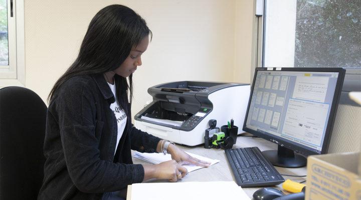 Tri, distribution, traitement : la gestion du courrier au sein des entreprises